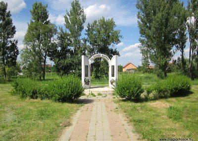 Tiszanagyfalu II. világháborús emlékmű 2014.06.23. küldő-kalyhas (1)