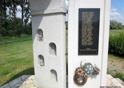 Tiszanagyfalu II. világháborús emlékmű 2014.06.23. küldő-kalyhas (6)