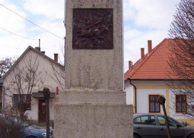 Tiszapüspöki világháborús emlékmű 2006.03.18. küldő-miki (4)