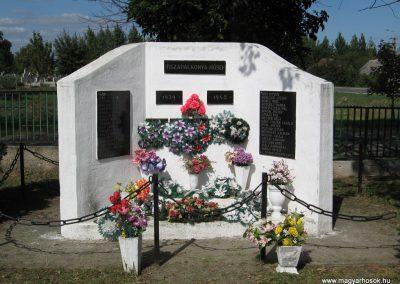 Tiszapalkonya II.vh emlékmű 2007.09.20.küldő-Kályhás