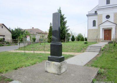 Tiszarád világháborús emlékmű 2013.05.23. küldő-kalyhas (5)