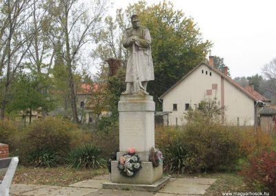 Tiszasüly I.vh emlékmű 2008.10.23. küldő-Kályhás (1)