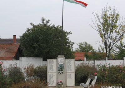 Tiszasüly II.vh emlékmű 2008.10.23. küldő-Kályhás (1)