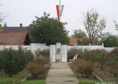 Tiszasüly II.vh emlékmű 2008.10.23. küldő-Kályhás