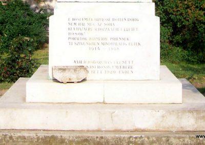Tiszasas világháborús emlékmű 2009.05.15. küldő-miki (3)