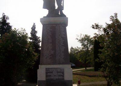 Tiszasas világháborús emlékmű 2009.05.15. küldő-miki (6)