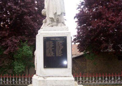 Tiszaszőlős világháborús emlékmű 2009.05.15. küldő-miki (6)