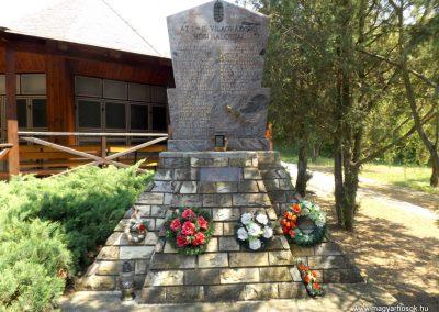 Tiszaszentmárton világháborús emlékmű 2016.05.23. küldő-kalyhas (2)