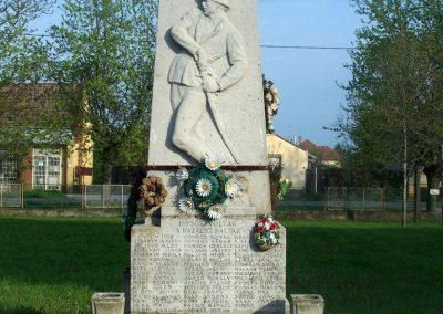 Tiszasziget világháborús emlékmű 2009.02.01. küldő-Horváth Zsolt