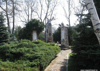 Tiszatarján világháborús emlékmű 2008.04.22.küldő-Kályhás (1)