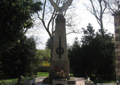 Tiszatarján világháborús emlékmű 2008.04.22.küldő-Kályhás (2)