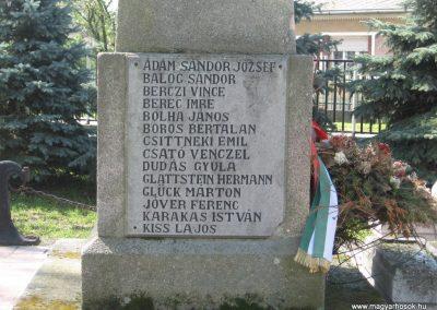 Tiszatarján világháborús emlékmű 2008.04.22.küldő-Kályhás (5)