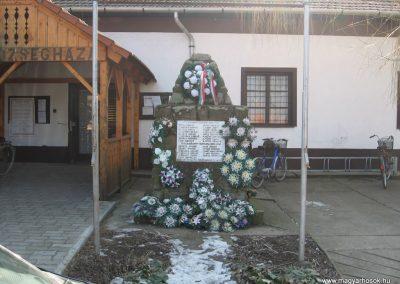 Tiszavalk világháborús emlékmű 2008.02.20.küldő-Kályhás (1)