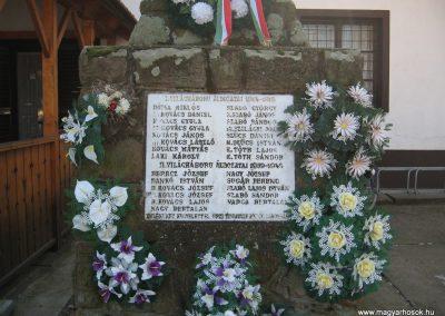 Tiszavalk világháborús emlékmű 2008.02.20.küldő-Kályhás (2)