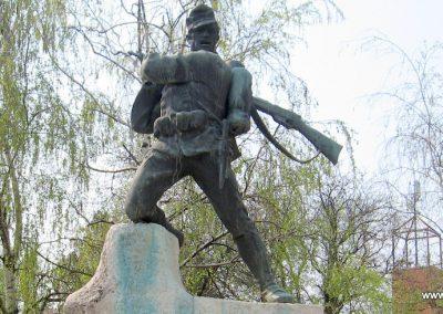 Tiszavasvári világháborús emlékmű 2009.04.09. küldő-kalyhas (10)