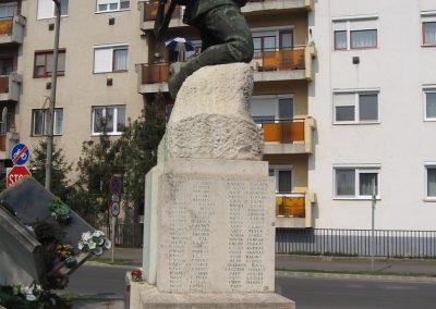 Tiszavasvári világháborús emlékmű 2009.04.09.küldő-kalyhas (9)
