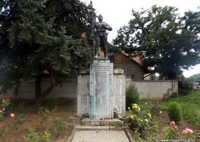 Tokaj világháborús emlékmű 2014.08.17. küldő-kalyhas (1)