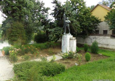 Tokaj világháborús emlékmű 2014.08.17. küldő-kalyhas (13)