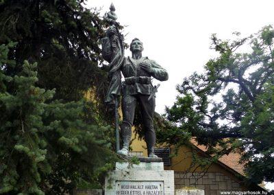 Tokaj világháborús emlékmű 2014.08.17. küldő-kalyhas (2)