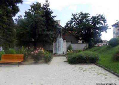 Tokaj világháborús emlékmű 2014.08.17. küldő-kalyhas