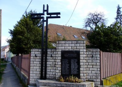 Tokod II. világháborús emlékmű 2014.03.22. küldő-Horváth Zsolt (4)