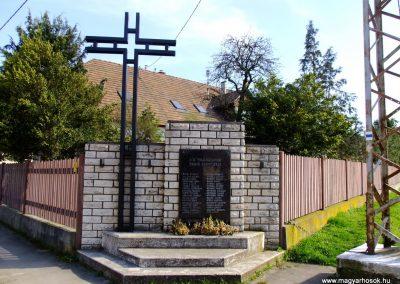 Tokod II. világháborús emlékmű 2014.03.22. küldő-Horváth Zsolt