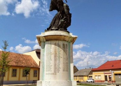 Tolna I. világháborús emlékmű 2014.07.13. küldő-Méri (4)