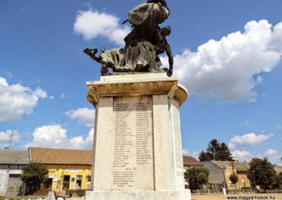 Tolna I. világháborús emlékmű 2014.07.13. küldő-Méri (6)