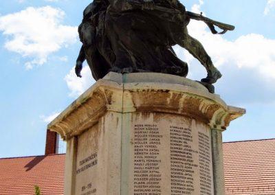 Tolna I. világháborús emlékmű 2014.07.13. küldő-Méri (8)