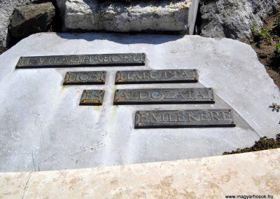 Tolna II. világháborús emlékmű 2014.07.13. küldő-Méri (3)