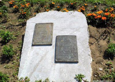 Tolna II. világháborús emlékmű 2014.07.13. küldő-Méri (7)