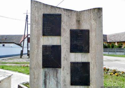 Tolna-Mözs világháborús emlékmű 2014.07.14. küldő-Méri (12)