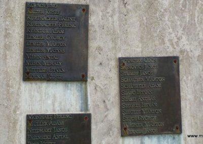 Tolna-Mözs világháborús emlékmű 2014.07.14. küldő-Méri (16)