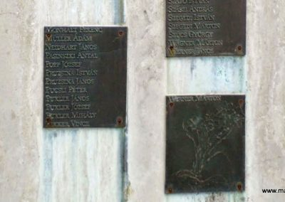 Tolna-Mözs világháborús emlékmű 2014.07.14. küldő-Méri (17)