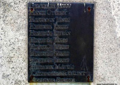 Tolna-Mözs világháborús emlékmű 2014.07.14. küldő-Méri (4)