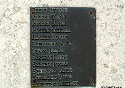 Tolna-Mözs világháborús emlékmű 2014.07.14. küldő-Méri (8)