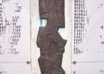 Tolnanémedi világháborús emlékmű 2009.03.22.küldő-miki (2)