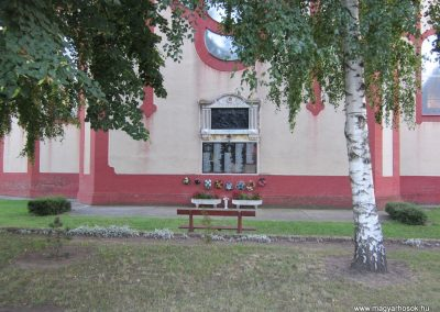 Tompa világháborús emlékmű 2011.08.17. küldő-kalyhas (2)