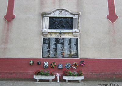 Tompa világháborús emlékmű 2011.08.17. küldő-kalyhas (3)