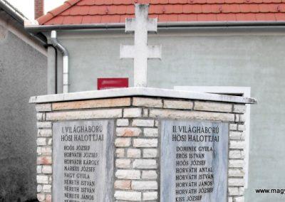 Tompaládony világháborús emlékmű 2011.08.11. küldő- -Nemes- (1)