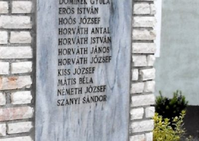 Tompaládony világháborús emlékmű 2011.08.11. küldő- -Nemes- (4)