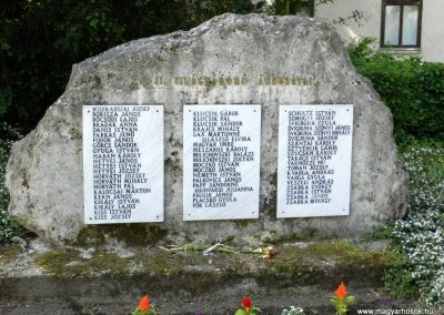 Tordas II. világháborús emlékmű 2015.05.18. küldő-Huber Csabáné (1)