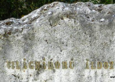 Tordas II. világháborús emlékmű 2015.05.18. küldő-Huber Csabáné (2)