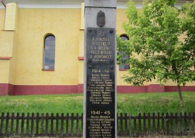 Tornabarakony világháborús emlékmű 2014.06.15. küldő-kalyhas (2)