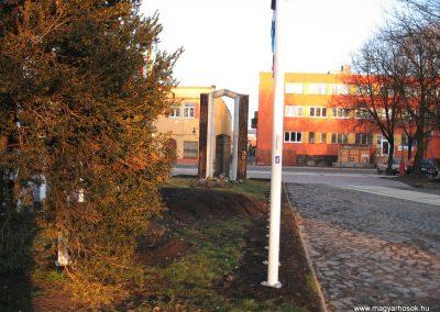 Tornalja II.vh emlékmű 2008.02.09.küldő-Kályhás