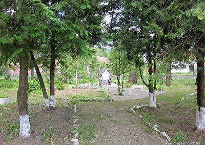 Tornanádaska világháborús emlékmű 2014.06.15. küldő-kalyhas