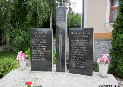 Tornaszentandrás világháborús emlékmű 2014.06.15. küldő-kalyhas (2)