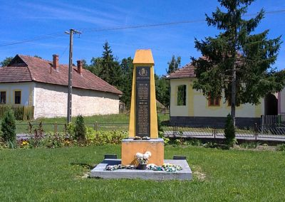 Tornaszentjakab világháborús emlékmű 2011.08.11. küldő-Pataki Tamás