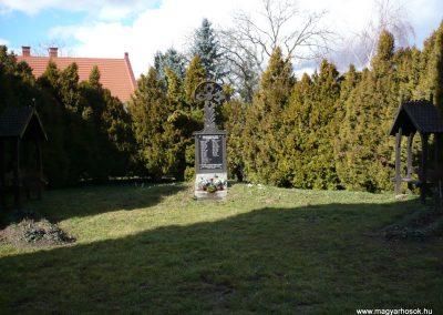 Tornyiszentmiklós II.vh emlékmű 2009.03.06.küldő-Sümec
