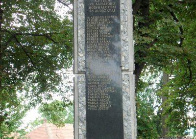Tornyosnémeti hősi emlékmű 2012.07.19. küldő-megtorló (2)